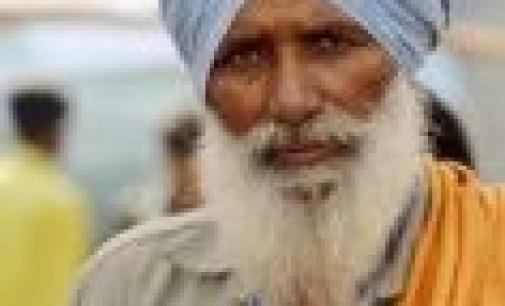 Sikh, fotografia delle quotidiane difficoltà di una comunità migrante invisibile