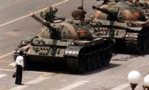 25 anni fa la strage di piazza TIENANMEN