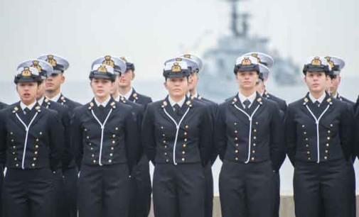 Marina Militare: gli allievi dell'accademia di Livorno hanno giurato oggi fedeltà alla Patria