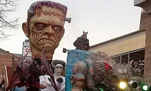 Civita Castellana – Carri allegorici, maschere e musica con lo storico Rogo del Puccio