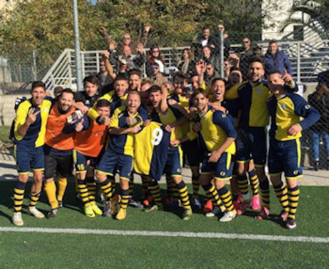 Il Torre Angela calcio (II cat) è la squadra dei record del Lazio, Jaraveti: «Ne siamo orgogliosi»