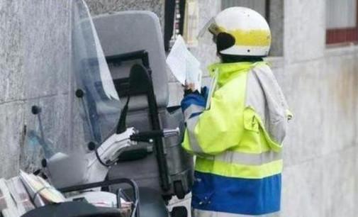 Scarsa diligenza per il postino che non recapita la posta