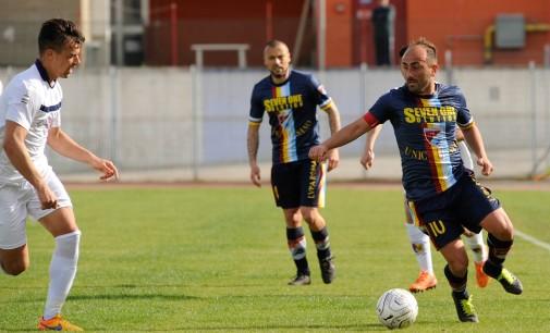 """Lupa Roma e Santarcangelo non si fanno male: al """"Quinto Ricci"""" di Aprilia termina 0-0"""