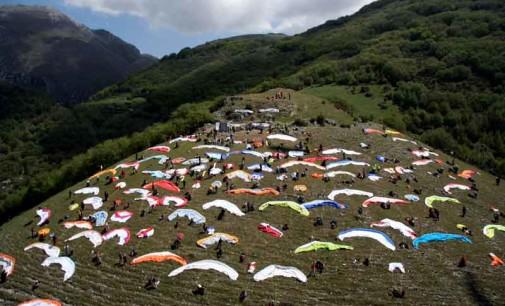Volo Libero: mille lanterne per ricordare Angelo D¹Arrigo