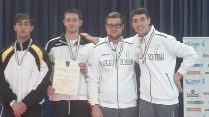 Frascati Scherma, la squadra di spada promossa in B1. E da oggi parte il campionato italiano Gpg