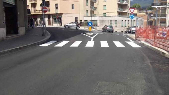 Velletri – Con la rotatoria in Largo Galoni si hanno anche nuove barriere architettoniche!