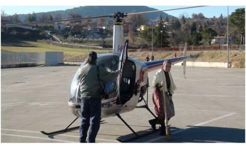 Ad Alatri (FR) la Befana arriva su un elicottero