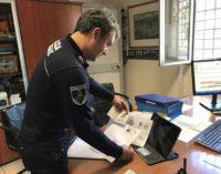Ciampino. Immigrato trovato dalla Polizia Locale a vendere capi griffati
