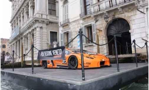 Venezia, Orange1 ha presentato la Lamborghini con la livrea dedicata alla Regione Veneto