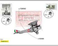 Due annulli,  una cartolina e una busta filatelica per i  cento anni del primo volo postale