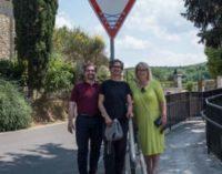 La creatività di Clet Abraham invade le strade di Monteriggioni e Castellina Scalo