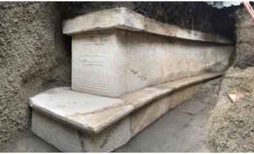 Pompei -Porta Stabia, la tomba monumentale di un personaggio pompeiano