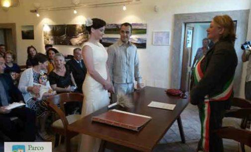 Sposarsi a Calcata. Nelle rarefatte atmosfere del borgo antico