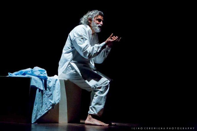 """Albano,Teatro Comunale """"Alba Radians"""" Uno Nessuno Centomila"""