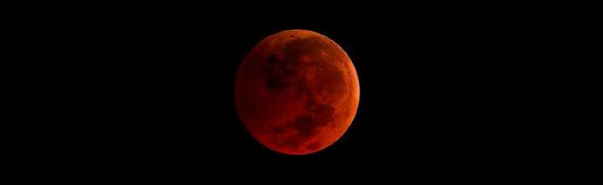 «La Luna blu»: la seconda in un mese, l'astro sarà più grande e più brillante