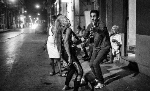 Alegria Y Revolucion di Luciano Del Castillo