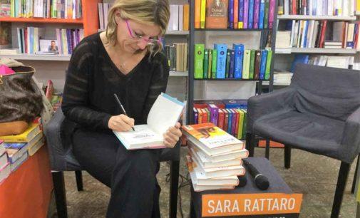 Sara Rattaro incontra studenti e cittadini di Velletri