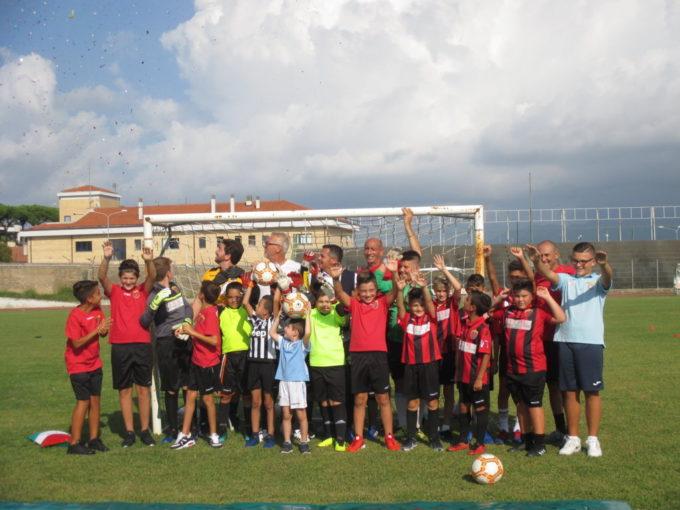 Vjs Velletri, presentazione di Scuola Calcio e Agonistica di fronte alla città in Piazza Mazzini