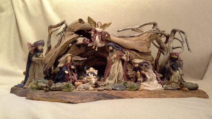 """La tradizione del presepe nella mostra """"Gloria in Excelsis"""" al Castello Reale di Govone durante l'evento Il Magico Paese di Natale (17 nov – 23 dic)."""
