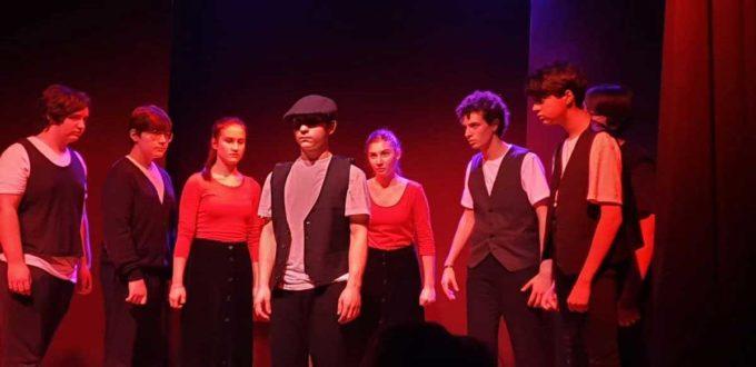 Il laboratorio di teatro giovanile di Iustumo presenta:  I CAMMINANTI, UNA STORIA SENZA FINE