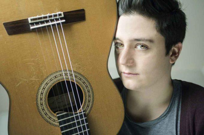 Gian Marco Ciampa, astro nascente della chitarra,  in un concerto straordinario della IUC