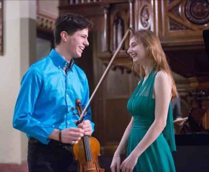 il violino di Ivos Margoni e il piano di Giulia Loperfido a Note in Biblioteca della iuc