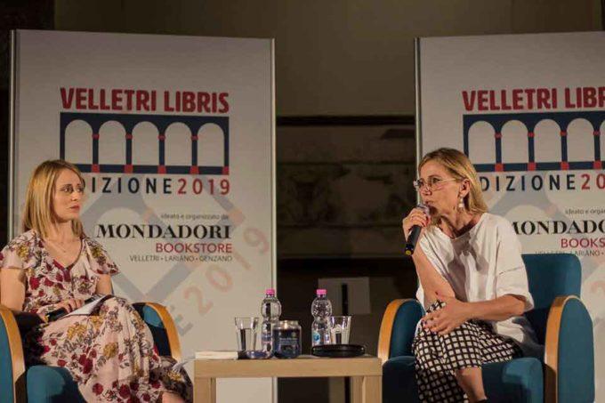"""Concita De Gregorio a Velletri Libris tra politica e narrativa ha presentato """"Nella notte"""""""