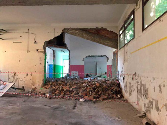 Grottaferrata, demolita la vecchia palestra della  scuola Isidoro Croce