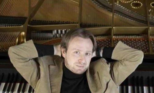 """Roberto Prosseda """"dentro le note"""" di Mozart alla IUC"""
