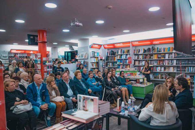 Francesca Barra e Claudio Santamaria alla Mondadori di Velletri