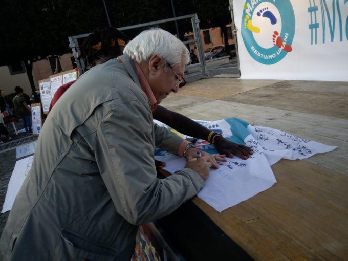 """Albano Laziale, il sindaco Marini ha preso parte alla Marcia """"Restiamo Umani"""""""