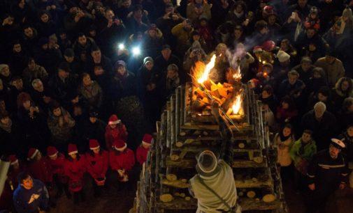 Ad Abbadia San Salvatore (SI) il Natale è fatto di fuoco: la Città delle Fiaccole rinnova una tradizione unica