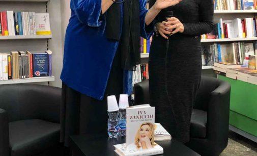 Iva Zanicchi alla Mondadori a Velletri