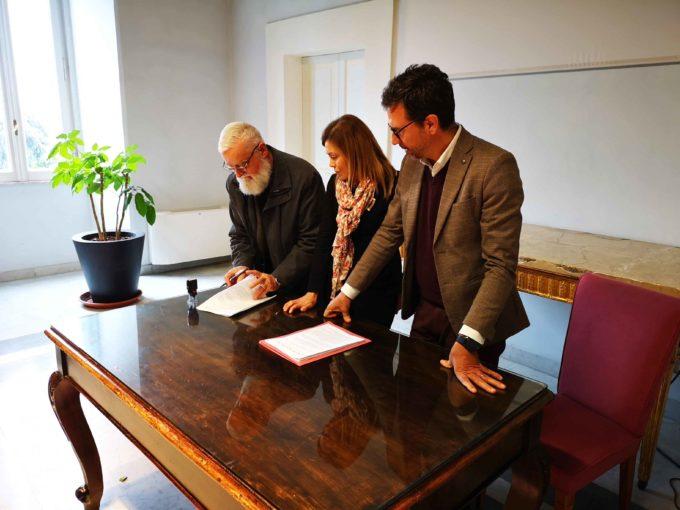 Frascati, firmata oggi la convenzione sull'Emporio Solidale tra il Comune di Frascati e la Caritas Diocesana