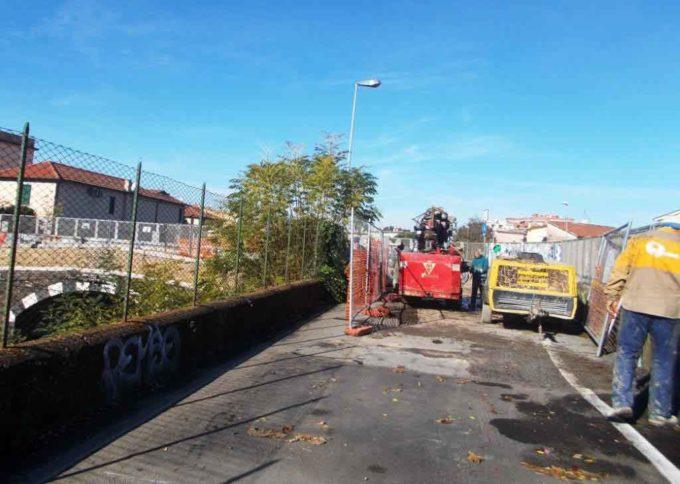 Ciampino. Lavori a rilento al ponte ferroviario in via Mura dei Francesi
