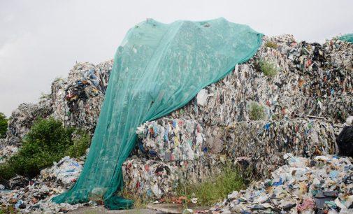 """""""La terra di sotto"""", raccolta fondi per 'fotografare' la criminalità ambientale nel nord Italia"""