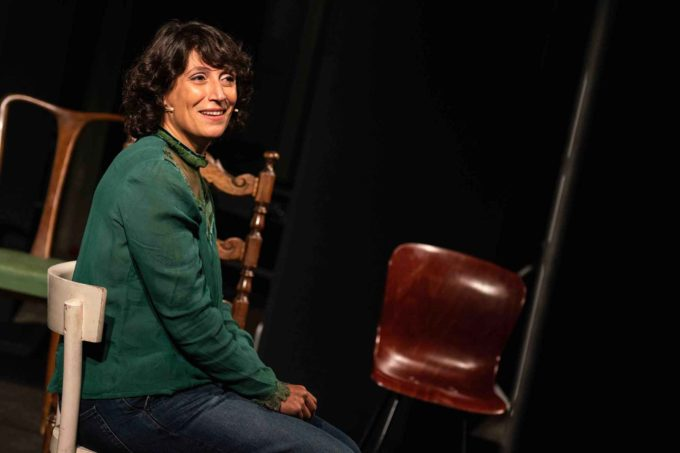 La 'cantattrice' toscana Alessia Arena vince il Premio Speciale Off al Roma Fringe Festival raccontando la terza età