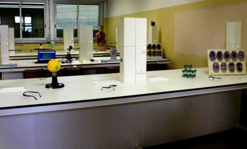 """Al liceo romano """"Edoardo Amaldi"""" realizzato un nuovo laboratorio di scienze"""