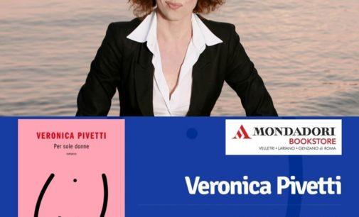 """Veronica Pivetti alla Mondadori di Genzano per presentare """"Per sole donne"""""""