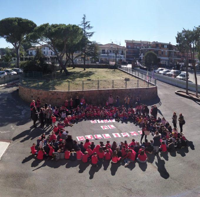 I.C. Santa Maria delle Mole – Uniti in flash mobs per la Giornata contro il bullismo e il cyberbullismo