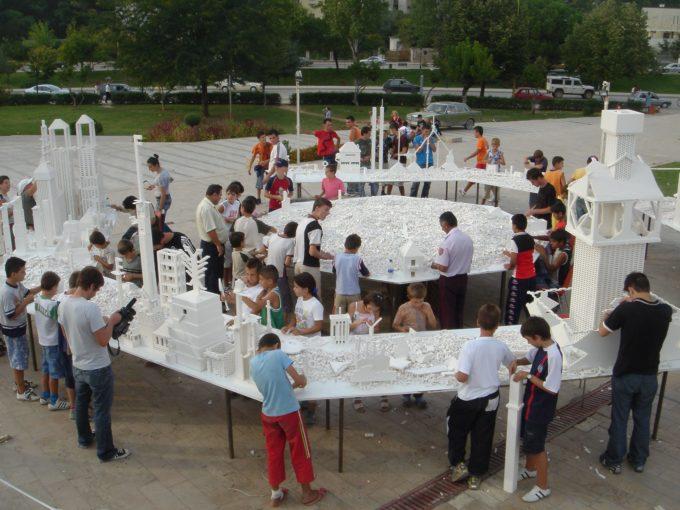 Fondazione Nicola Trussardi | Olafur Eliasson – THE COLLECTIVITY PROJECT | Ottagono, Galleria Vittorio Emanuele, Milan | April 14-May 8, 2020