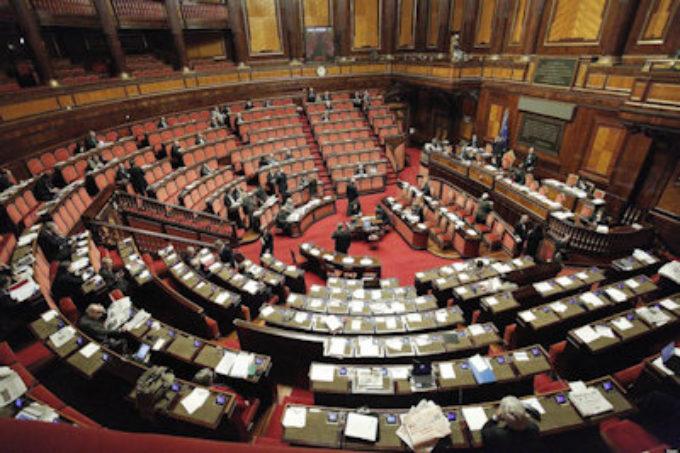 """Politica italiana: quando il Bue dice """"cornuto"""" all'Asino"""