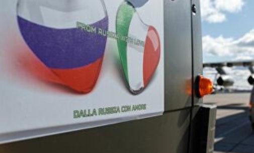 La Russia invia aiuti e l'Italia risponde con i missili