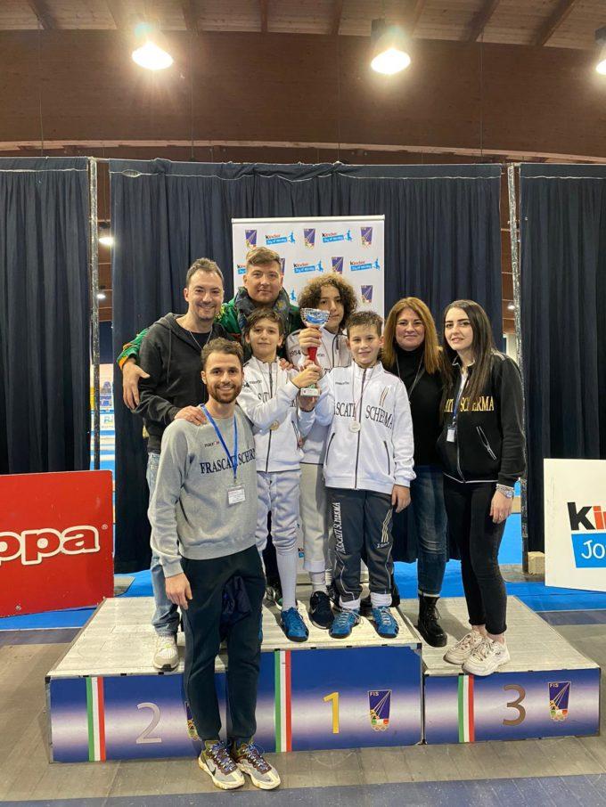 Frascati Scherma, Gpg scatenati: una squadra di fioretto campione d'Italia, due di sciabola d'argento