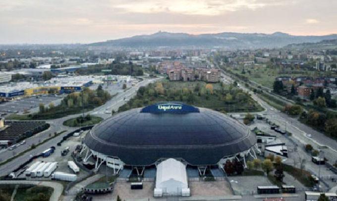 Coronavirus, l'Unipol Arena diventa il più grande centro screening dell'Emilia-Romagna