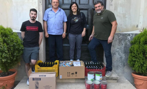 Coronavirus: la Pro Loco Cori dona alla Caritas generi alimentari e l'olio del concorso 'L'olio delle Colline'