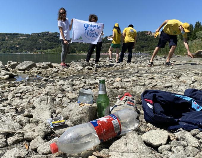 Goletta dei Laghi, monitoraggio dei rifiuti sulla riva del Lago Albano