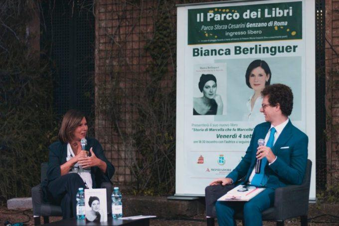 """Essere se stessi per una """"vita bellissima"""": la storia di Marcella Di Folco nel libro di Bianca Berlinguer"""