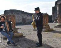Con un OMAGGIO A ENNIO MORRICONE il Parco archeologico di Pompei AUGURA BUONE FESTE