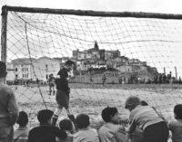 Museo di Fotografia Contemporanea | Chi non salta. Calcio. Cultura. Identità | dal 12 giugno al 24 ottobre 2021 | Cinisello Balsamo-Milano